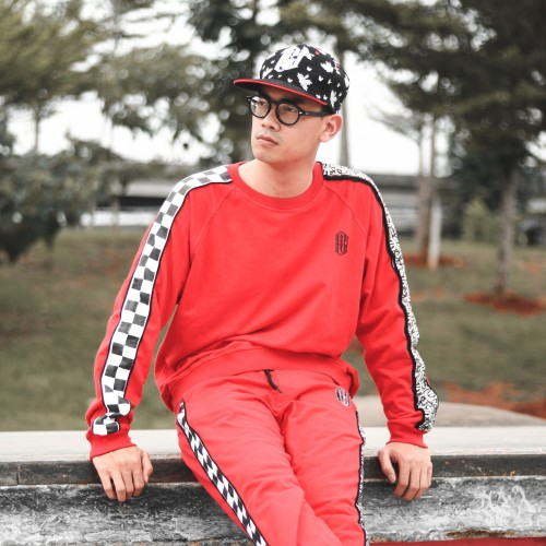 Red Sweatshirt BU X VNZLS